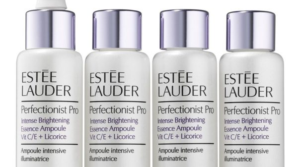 Estèe Lauder Perfectionist_Pro_Bright_QD_Ampoules_Product_on_White_Online_Use_Only