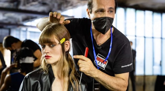 TONI&GUY Italia hairlook Collezione Uomo e Donna SS22 di JOHN RICHMOND.