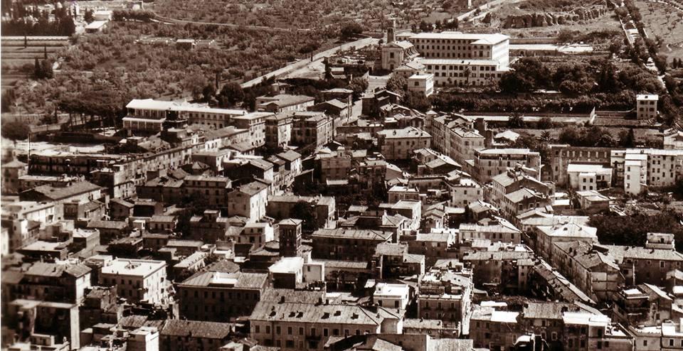 C'È UN QUARTIERE DA SALVARE Il quartiere di San Paolo di Albano è un luogo unico al mondo