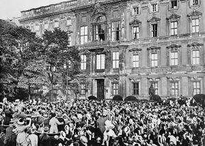 Folla tedesca in festa per la dichiarazione di guerra alla Russia. 1 agosto 1914
