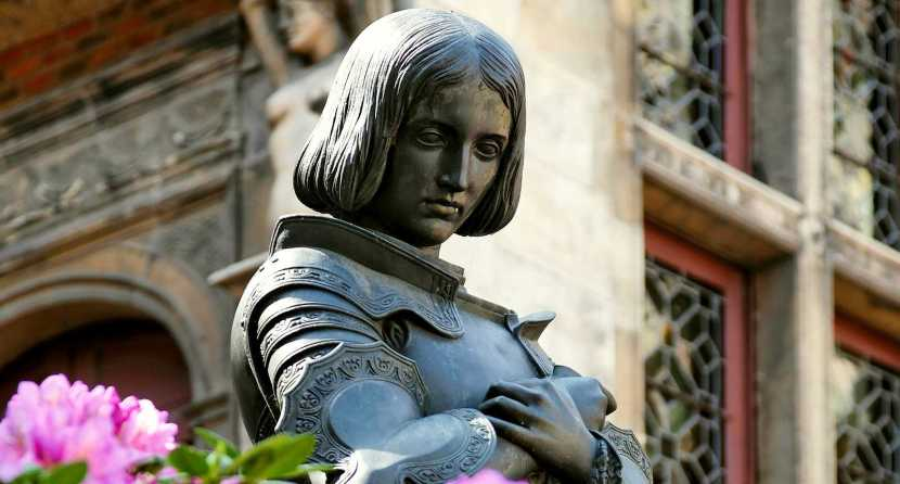 Statue de jeanne d'arc à orléans