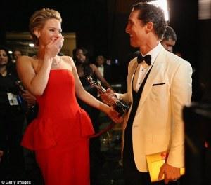 Matthew McConaughey e Jennifer Lawrence notte degli Oscar 2014...Per il bel Matthew è stata la notte della consacrazione nel pantheon del cinema dopo un inizio carriera tra film di spessore minore