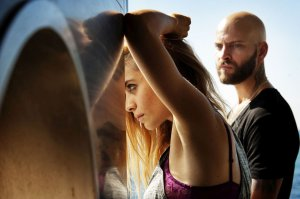 Greta Scarano e Alessandro Borghi interpretano rispettivamente Viola e Numero 8