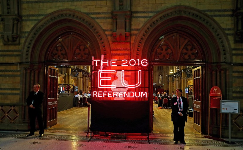 epa05386674 Exterior view of Manchester Town Hall, the setting for the national count in the EU referendum, in Manchester, Britain, 23 June 2016. Counting gets underway in the referendum on the UK's membership of the European Union.  EPA/PETER BYRNE UK AND IRELAND OUT