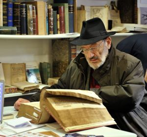 Umberto Eco (1932-2016) è stato un semiologo, filosofo e scrittore italiano