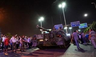 Istantanea catturata durante il golpe nel luglio scorso