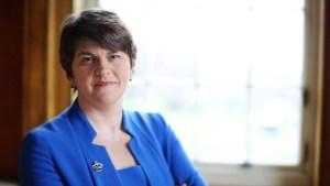 Arlene Foster (1970) è una politica nordirlandese. Leader del Partito Unionista Democratico, è Primo Ministro dell'Irlanda del Nord dall'11 Gennaio 2016