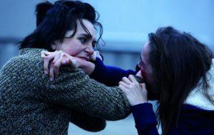 """Julia Ducournau (1983), regista di """"Raw"""", ha ammesso di avere una «vera ossessione per i corpi umani»"""