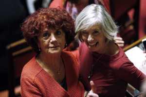 Da sinistra verso destra: la sindacalista e politica italiana Valeria Fedeli (1949), attuale Ministro del MIUR, insieme con la linguista, glottologa e politica italiana Stefania Giannini (1960), precedente Ministro del MIUR