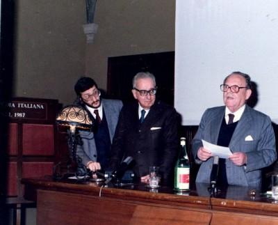 Roma Enciclopedia Italiana Treccani 1988- Mostra di Guadagnuolo con Rosario Assunto e il Presidende Alessi