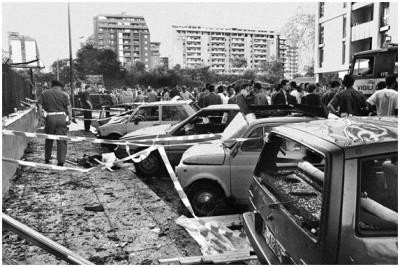 PALERMO 19 LUGLIO 1992, ore 16,58 VIA D'AMELIO.   PAOLO BORSELLINO E' STATO APPENA UCCISO CON UNA AUTO-BOMBA. CON LUI 6 MORTI  E 24 FERITI.