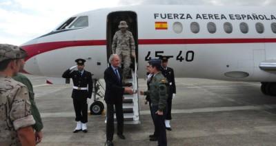 Il ministro della Difesa spagnolo in visita a Sigonella