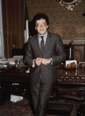 Enzo Bianco quando era sindaco etichettato PRI
