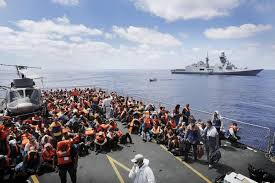 Migranti sulla portaerei Garibaldi
