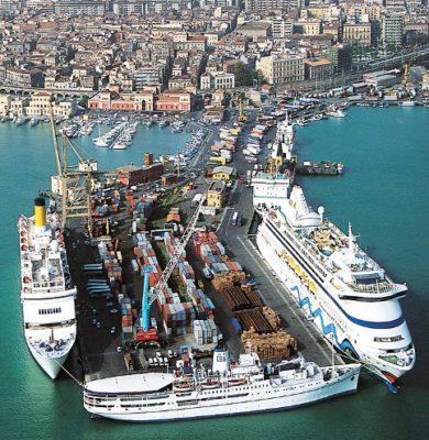 Navi da crociera a Catania