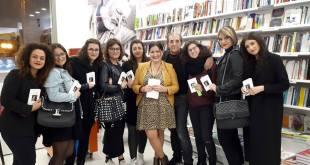 Elegante e prestigiosa serata alla Mondadori di Grottaglie con il Pavese di Pierfranco Bruni:. Confronto tra la docente Marilena Cavallo e i suoi allievi