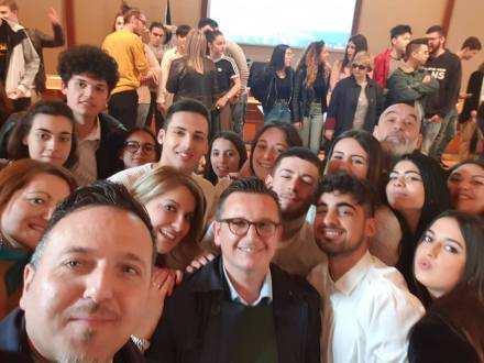 """I ragazzi dell'Einaudi's Team vincono il """"Torneo della disputa: dire e contraddire"""""""