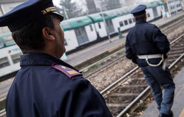 Taranto - Rapina un anziano signore nel bagni della Stazione, 30enne arrestato dalla Polizia di Stato