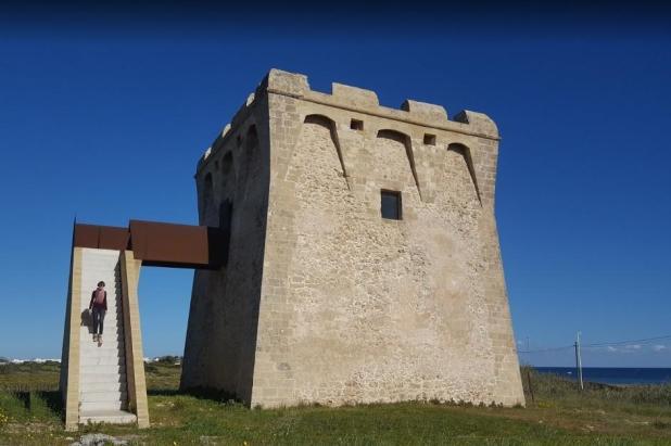Sulla litoranea ionica le torri di Borraco e San Pietro in Bevagna