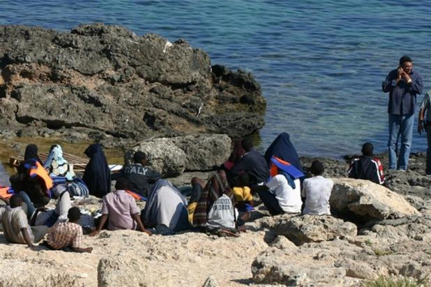 83 migranti sbarcano sull'isola di San Pietro a Taranto