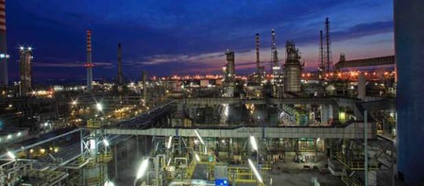 Taranto, falso allarme bomba presso la raffineria Eni. Denunciato in stato di libertà un operaio di 41 anni