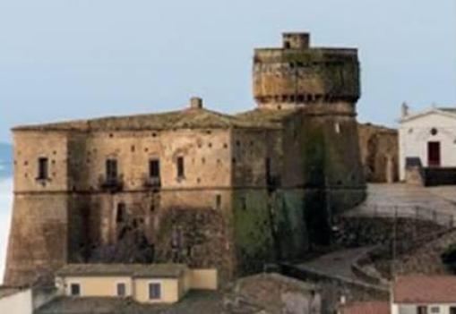 Fortezze e Castelli di Puglia: Il Castello d'Aquino di Rocchetta Sant'Antonio