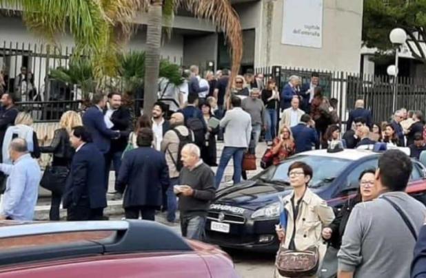 Allarme bomba, evacuato il Tribunale di Brindisi
