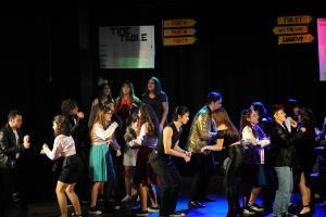"""Al teatro Tarentum, il successo di """"ARIgrease"""", il musical alla brillantina del Liceo Aristosseno"""