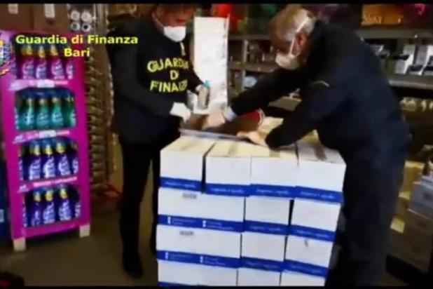 Coronavirus: farmacie nel barese rincari del 6000% sul prezzo di acquisto di mascherine protettive - IL VIDEO