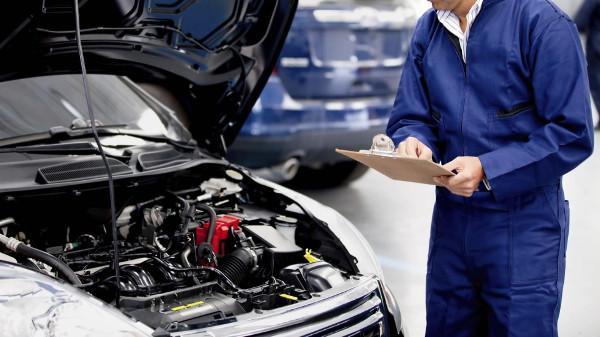 Novità: scadenze patenti e revisioni auto. Sette mesi di proroga