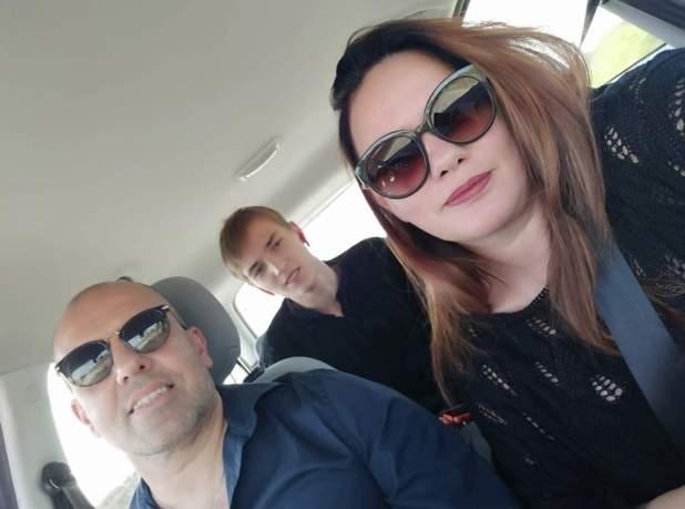 """Grazie ai social Valerii ritrova Mimmo e Anna i suoi """"genitori adottivi"""" a distanza."""