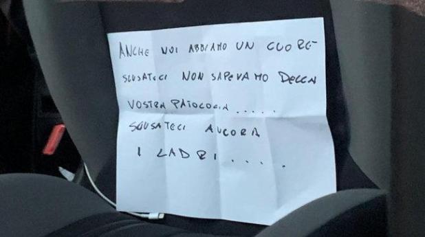 Bari, rubano auto a disabile: la restituiscono con un biglietto di scuse. La figlia, è l'unico mezzo di libertà di mia madre