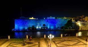 castello in blu