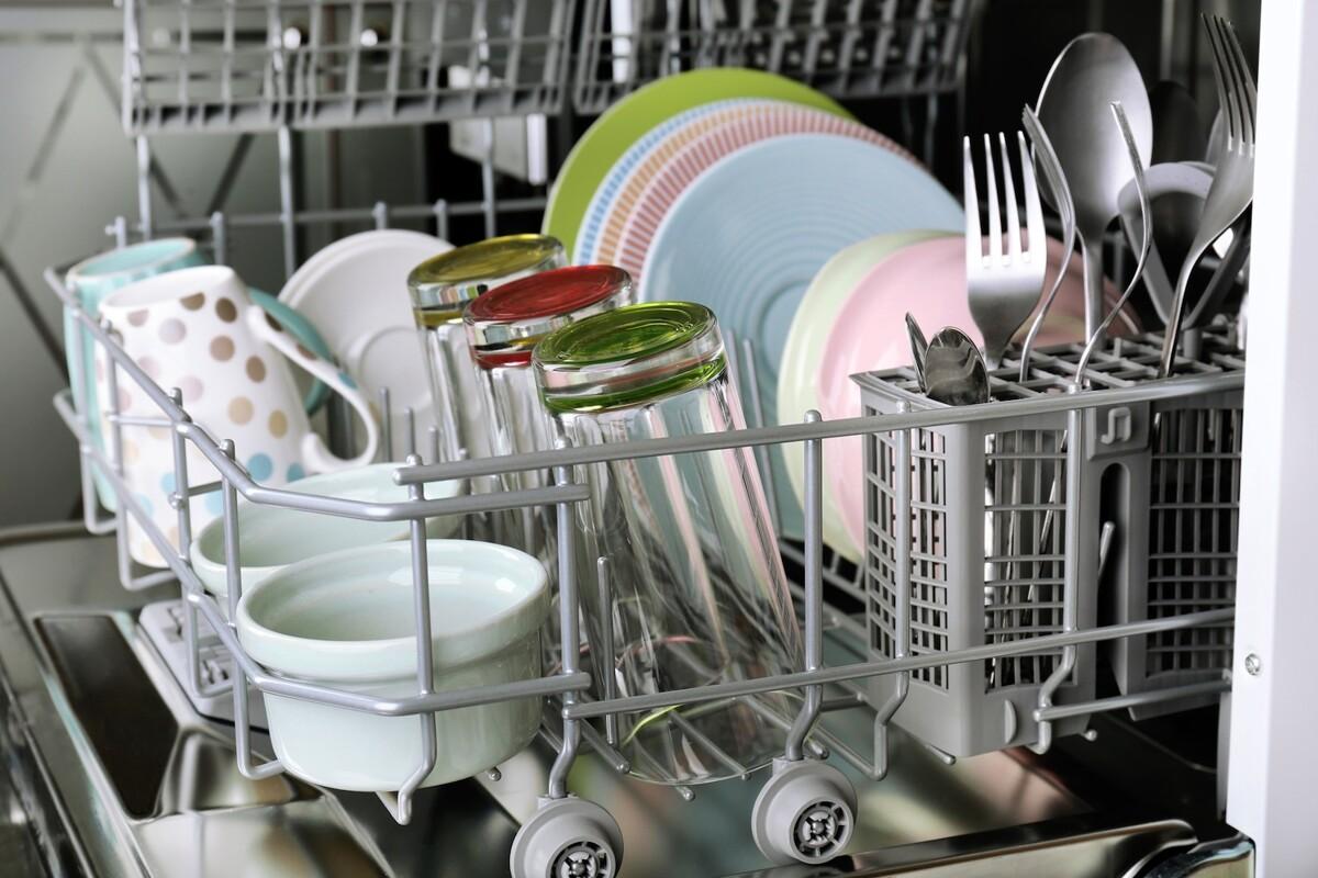 Sanificare la lavastoviglie con il caldo è necessario: scopri come