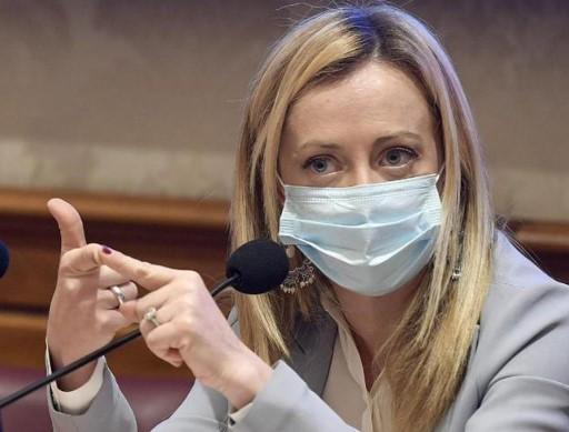"""Green Pass, Meloni: """"è obbligo vaccinale mascherato"""""""