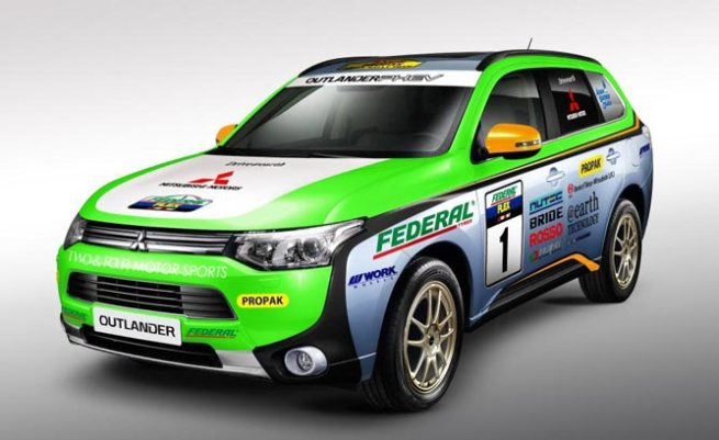 Mitsubishi_Outlander_PHEV_Rally Cross