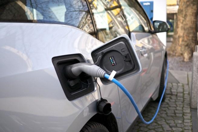 recharge-voiture-électrique