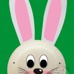 Maschera coniglio con piatto di carta