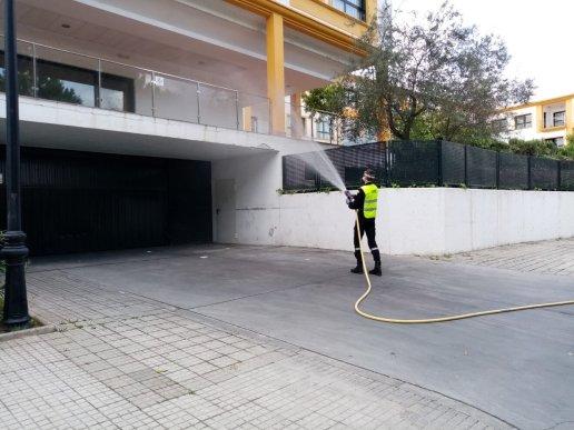 La UME desinfecta la residencia Domusvi / Ayto.
