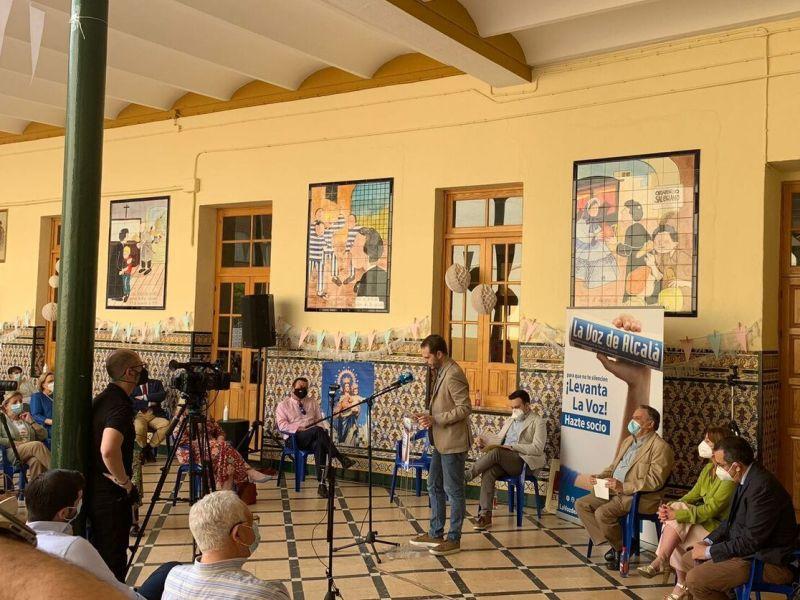Francisco Amador en la presentación de 'Tres décadas contando Alcalá' / Miguel Salvatierra