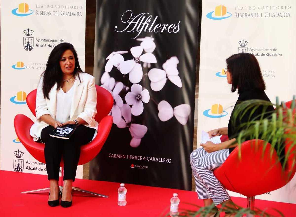 Presentación de 'Alfileres', de Carmen Herrera / Ayto.