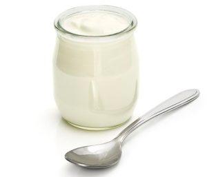 cuchara y yogur