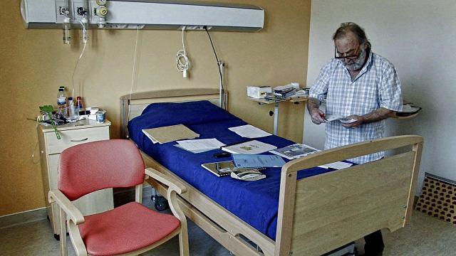 Fernando Ruiz Vergara en su habitación de la Casa da Misericordia de Vila de Rei.