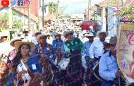 Realizan cabalgata en honor a Santa Catarina en Chicontepec