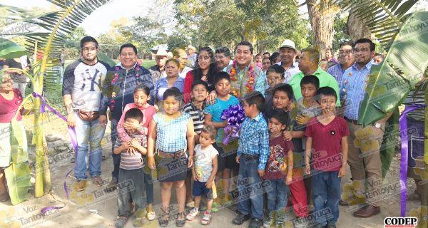 Inaugura alcalde de Chicontepec rehabilitación de camino rural | LVDT