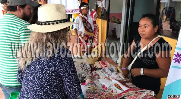 Apoya Gobierno Municipal de Chicontepec a Artesanas Indígenas | LVDT