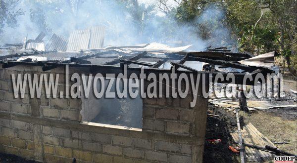 Familia lo perdió todo; incendio consume vivienda en Tantoyuca | LVDT