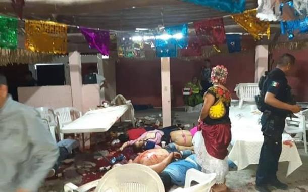 Acribillan a 13 personas en una fiesta en Minatitlán entre ellos un menor de edad