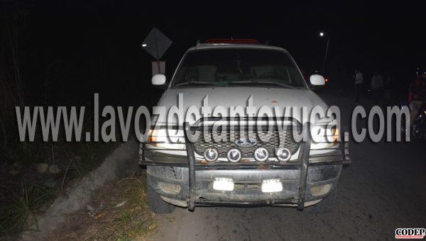 La camioneta Ford, Lobo que jalaba el remolque fue dejada abandonada por su conductor ya que trasladó a su hija al nosocomio de Platón Sánchez | LVDT