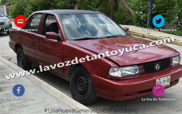 Choque entre particular y taxi deja solo daños materiales | LVDT